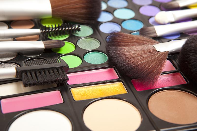 Resultat d'imatges de maquillatge